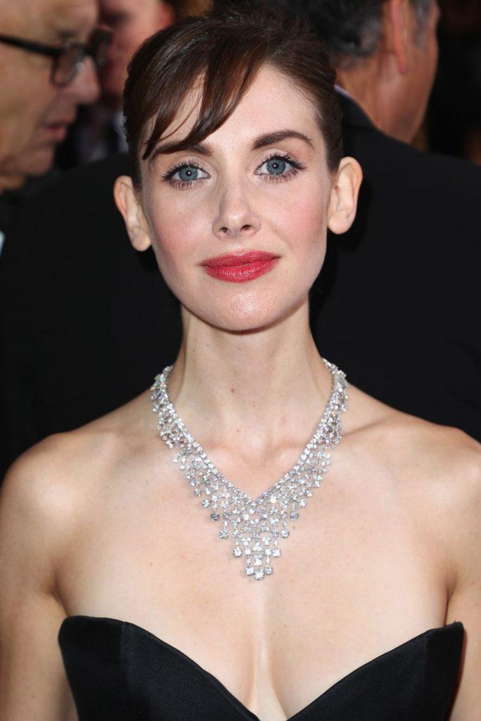 Golden Globes 2018 - Necklace - Allison Brie