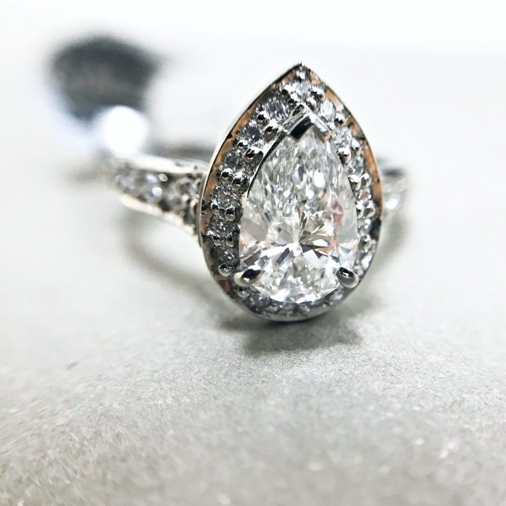 Pear-Cut Cluster Ring Platinum Diamond - 01-05-081