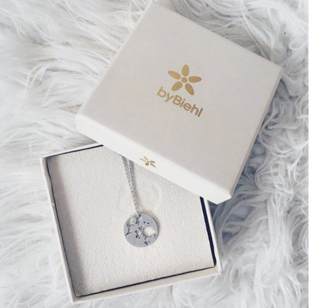 byBiehl - Beautiful World necklace silver package